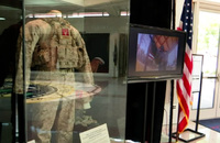 「ビン・ラディンに最後の一発を見舞った」ST6隊員の戦闘服・装具などが博物館に展示