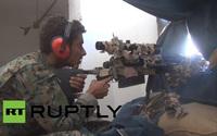 ダーイッシュ (IS) 掃討作戦でザスタヴァ製「M93 ブラック・アロー」を使用するシリア民主軍 (SDF) スナイパー