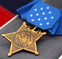 医師救出作戦で英雄的活躍をした米海軍特殊部隊「ST6」隊員が名誉勲章 (MoH) を受章