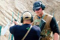 ソフレップテレビがヒューストン・ショー氏による「トレーニング・セル」射撃訓練のプロモ映像を公開