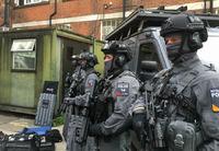 テロ攻撃が相次ぐイギリス、市民の72%が「警官の武装を支持」と回答