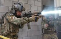 元米陸軍特殊部隊「デルタフォース」隊員タイラー・グレイ氏を起用したシュアファイア社のトレーラー