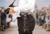 最大3本のレンズを持ち運び可能とする一眼レフカメラ用レンズホルダー『TriLens』