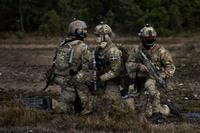 スウェーデン軍の特殊部隊・警察部隊がLWRCのM6カービンを採用か?