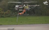 無人ヘリコプターにフルサイズのロボットアームを搭載