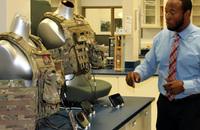 米陸軍が72時間の初期介入で連続駆動に耐えられる小型・軽量で安全なバッテリーを開発中
