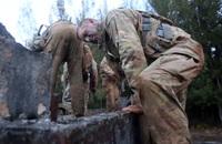 「各種ポケットやベルクロは要らない」兵士の声を受け、米陸軍が軽量で吸水し難い新型『ホットウェザー戦闘服』を開発中