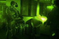 米陸軍が暗闇でも顔認識し、高価値容疑者(HVT)の捜索に寄与する技術を開発中