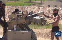 シリア北西部のマンビジで軍事拠点を建設する米軍。特殊部隊員が「改良型迫撃砲目標システム」を設置
