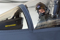 米空軍初の女性戦闘機パイロットが第 57 航空団で初の女性指揮官に