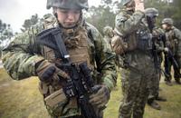 M27IARをベースにしたアメリカ海兵隊の新型分隊選抜射手小銃「M38」が目撃される