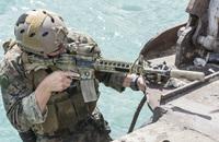 米海兵隊が快適・機能性を追求したエルボー&ニーパッドと「分隊共通光学器」の取得を計画
