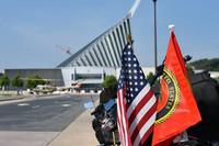 米国立海兵隊博物館、対テロ戦争 (GWOT) 中の MARSOC にスポットを当てた装備展示を準備中