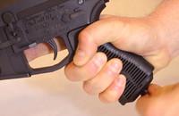 射手の好みに応じて形状をカスタマイズできるAR-15用ピストルグリップ『Unique-Grip』