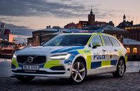 スウェーデン警察がポリスカーにボルボ V90 を初採用