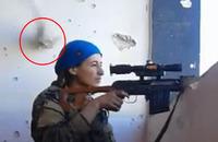 あわや「ヘッドショット」。クルド女性防衛部隊スナイパーがカウンター攻撃された瞬間の映像
