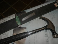 ナイフに刻印を打つ