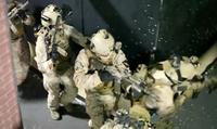 海外の現用軍装リエナクターによるクールなサバイバルゲーム映像