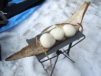 時代劇の食事 竹の皮と握り飯