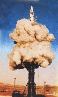 中国の対鑑弾道ミサイルらしき写真