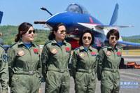 人民解放軍八一曲技飛行隊女性操縦士、海外での展示飛行は今回初♪