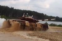 【動画】戦車でドリフト、戦車バイアスロン世界選手権♪