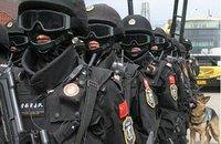 中華人民共和国武装警察最強部隊、全人代を警備。だそうです♪