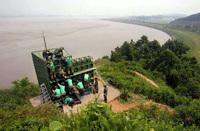 韓国北朝鮮軍事境界線で砲撃、報復の報復。