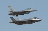 F35 vs F16 を実際にやってみた。予想どおりに♪