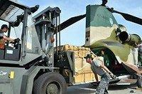 【災害派遣】航空自衛隊マンゴー特別輸送隊、島の宝を本島に。
