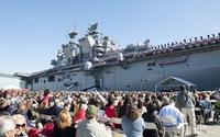 米海軍新型強襲揚陸艦アメリカ、就役。