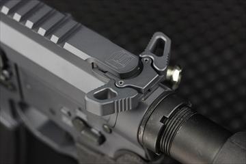 【M4 Guns フォト】EMG SAI M4 Jailbreak カスタム