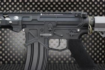 アウトライン【M4 Gun's フォト】BAD556 M-LOK CQB カスタム