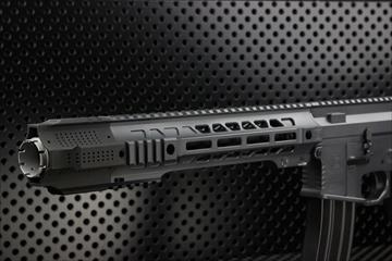 アウトライン【M4 Guns フォト】EMG SAI M4 Jailbreak カスタム