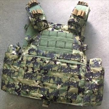 トイソルジャー AOR2 MMAC プレートキャリアー