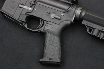 マッドブル Strike Industries M4 EPG グリップ BK GBB用