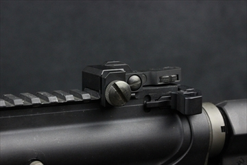 実物 AIM SPORTS AR-15  M16 REAR FLIP-UP リアサイト