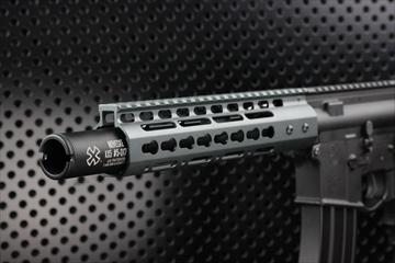 OUTLINE【M4 Gun's フォト】M4MWS NOVESKE カスタム