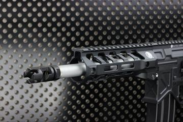 OUTLINE 【M4 Gun's フォト】BAD556 M-LOK CQB カスタム