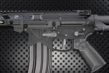 OUTLINE M4 ガンズ・フォト - M4MWS BAD556 カスタム