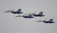ロシア空軍アクロバット飛行隊、久々に海外で展示飛行
