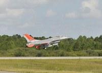 無人戦闘機QF-16、飛行テスト完了。無人化に1歩ススム