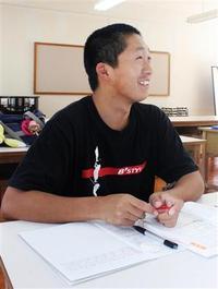 十津川の高3男子、自衛官を目指し寮に残り勉強、家族は避難済