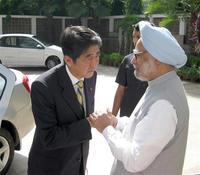 日本、インドによる海での連携強化へ