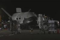 米空軍宇宙滑空試験機X-37Bがやっと地上に帰還予定