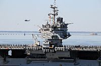 米海軍空母エンタープライズ、最後の航海に出港∠(^^)