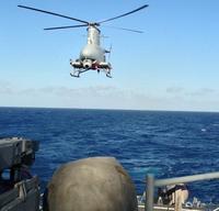 米海軍無線誘導艦載ヘリコプターは(((・・;)