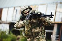 ロシアPKM機関銃用のベルト給弾バックパック