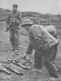 北ベトナム/ベトナム人民軍軍装写真②