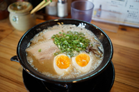 福岡最後の食事はラーメンで〆